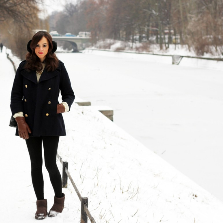 A winter outfit – How to wear low Ugg Boots?
