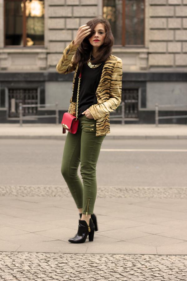 5646caf6f33d DVF Carolina Lip Clutch, Tiger print Blazer and H&M Conscious green ...