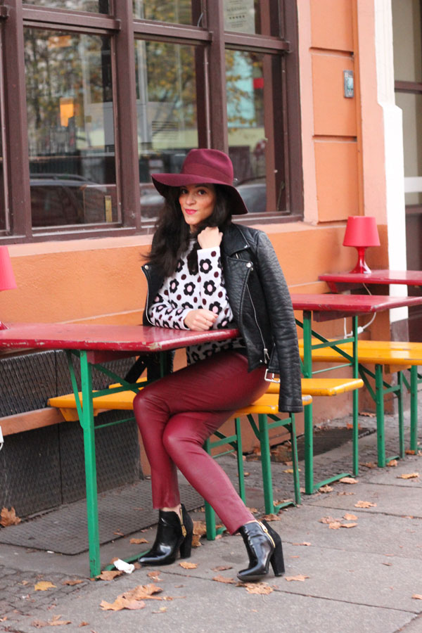 amandine fashion blogger berlin germany claudie pierlot hat jw anderson black floral knit outfit tommy hilfiger gurgundy leather pants
