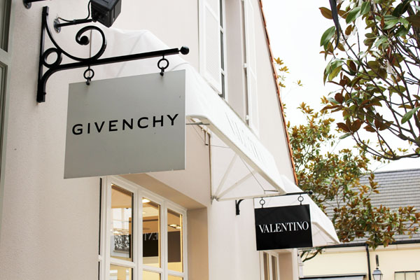 la-vallee-village-paris-chic-outlet-france-givenchy
