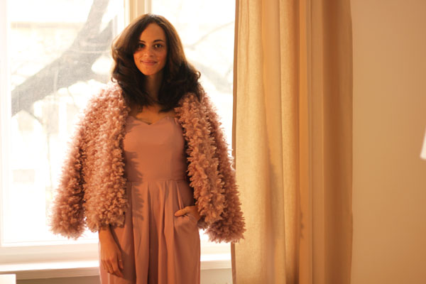 amandine fashion blogger berlin germany sylvester outfit pink jumpsuit in love with fashion fake fur