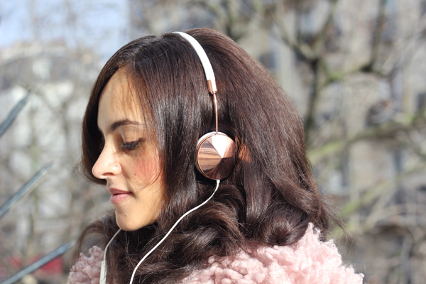 frends taylor rosegold headphones