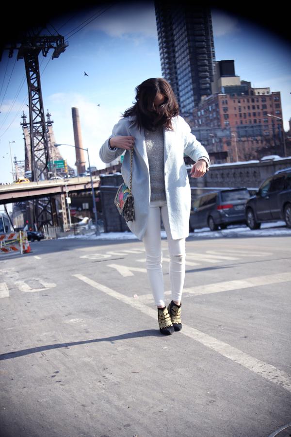 amandine fashion blogger berlin germany blue coat asos white jeans ridley angel jackson disco rainbow jai bright bag