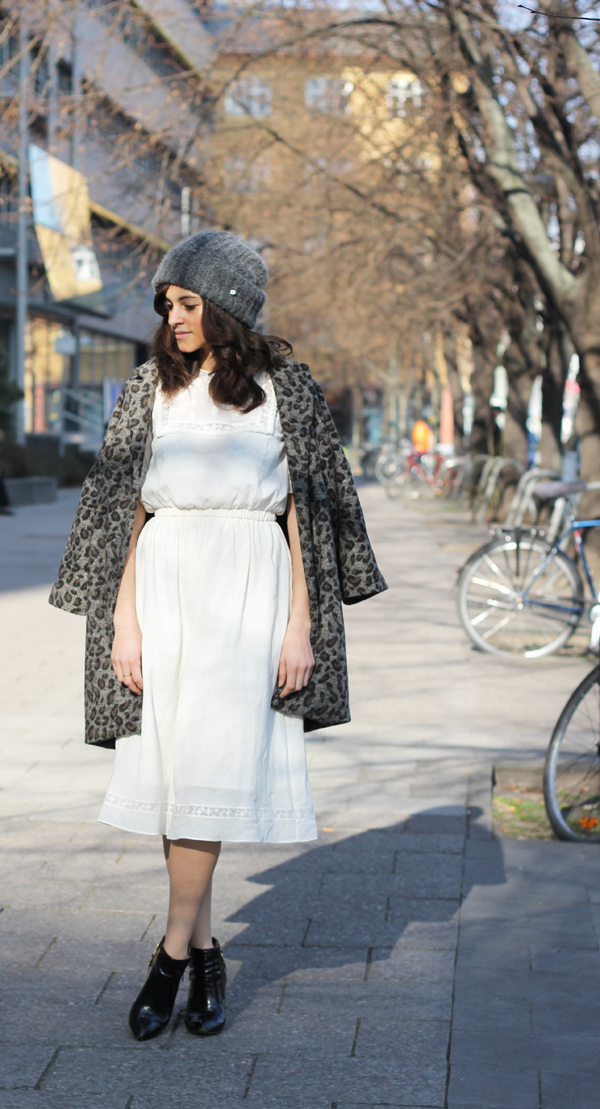 amandine fashion blogger berlin germany outfit white maxi dress cotton and other stories spring 2014