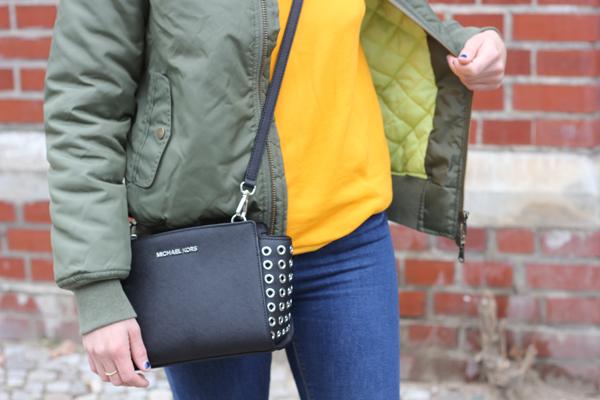 witty knitters noemi lichen khaki bomnber jacket
