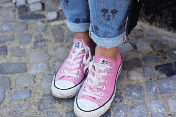 outfit details pink chucks converse