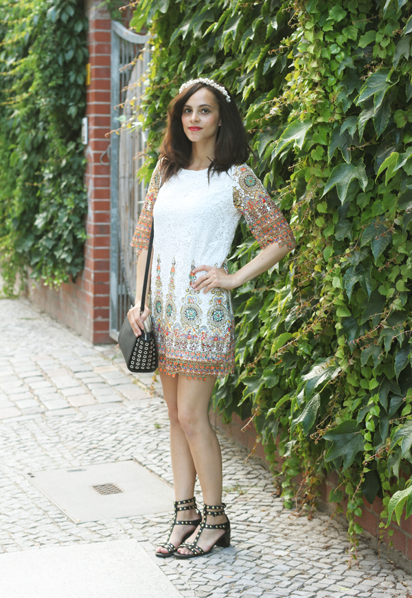 amandine fashion blogger berlin germany outfit top chicwish baroque shiftdress