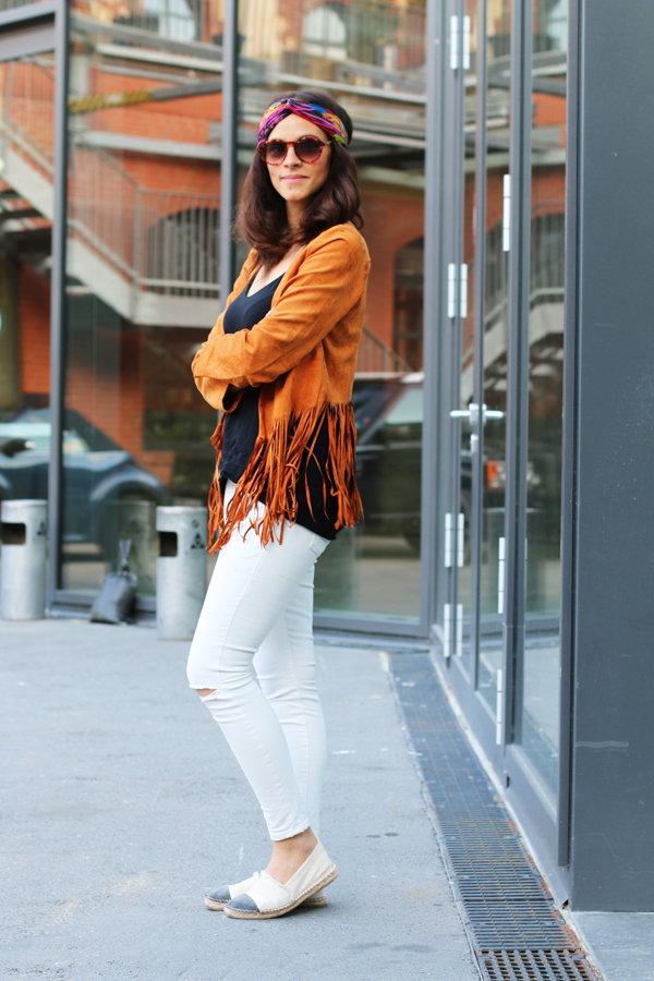 amandine fashion blogger berlin germany brown suede fringe jacket outfit ootd