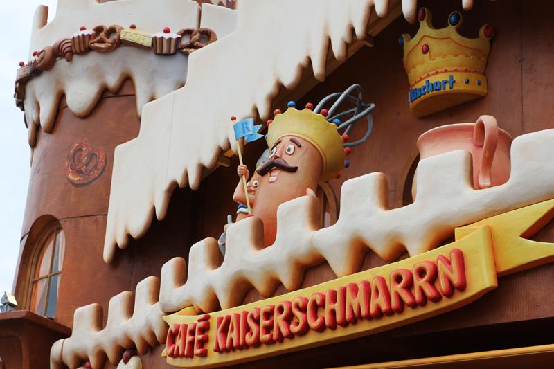 Café Kaiserschmarrn eat at Oktoberfest