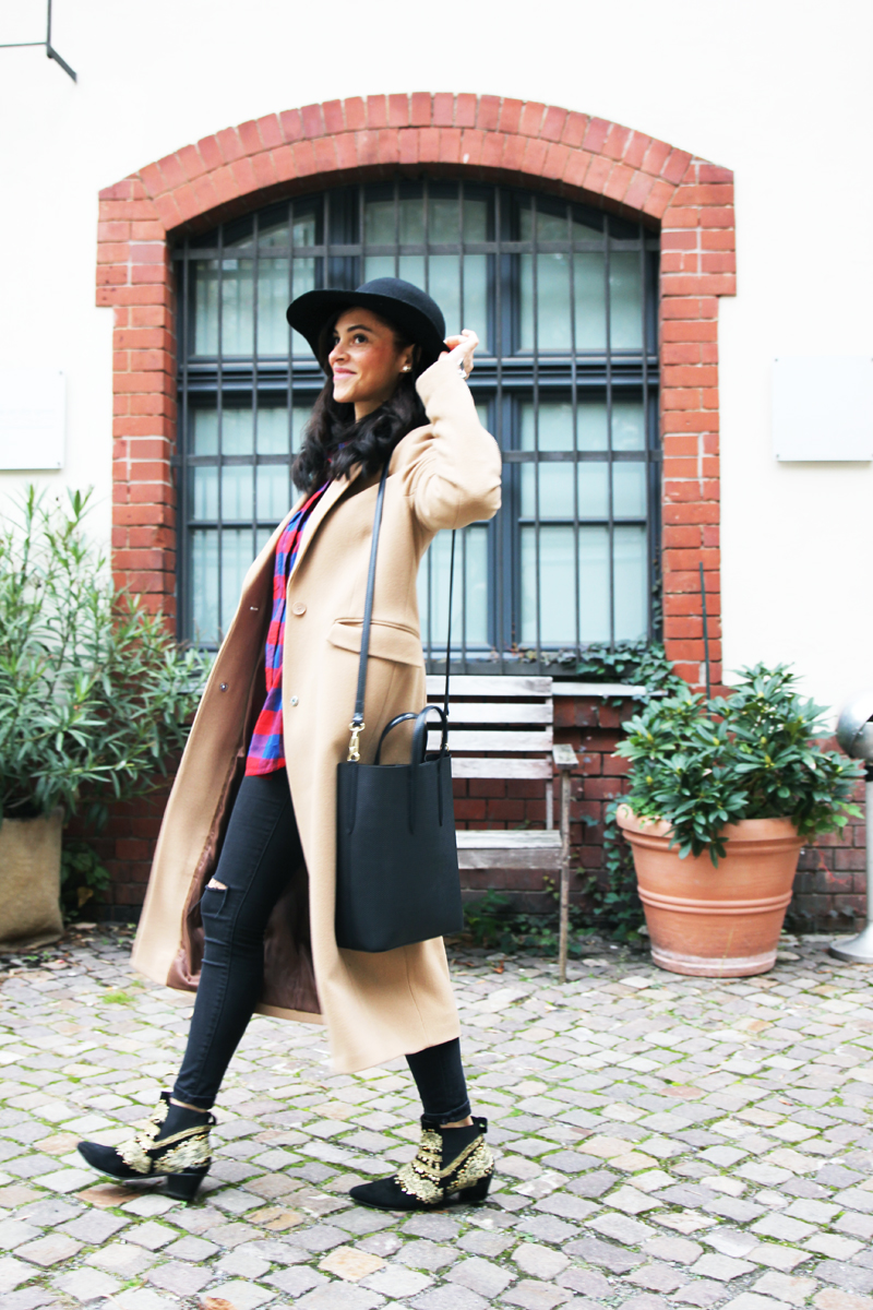 amandine fashion blogger berlin germany les berlinettes maxi cigar camel beige coat supertrash octavian