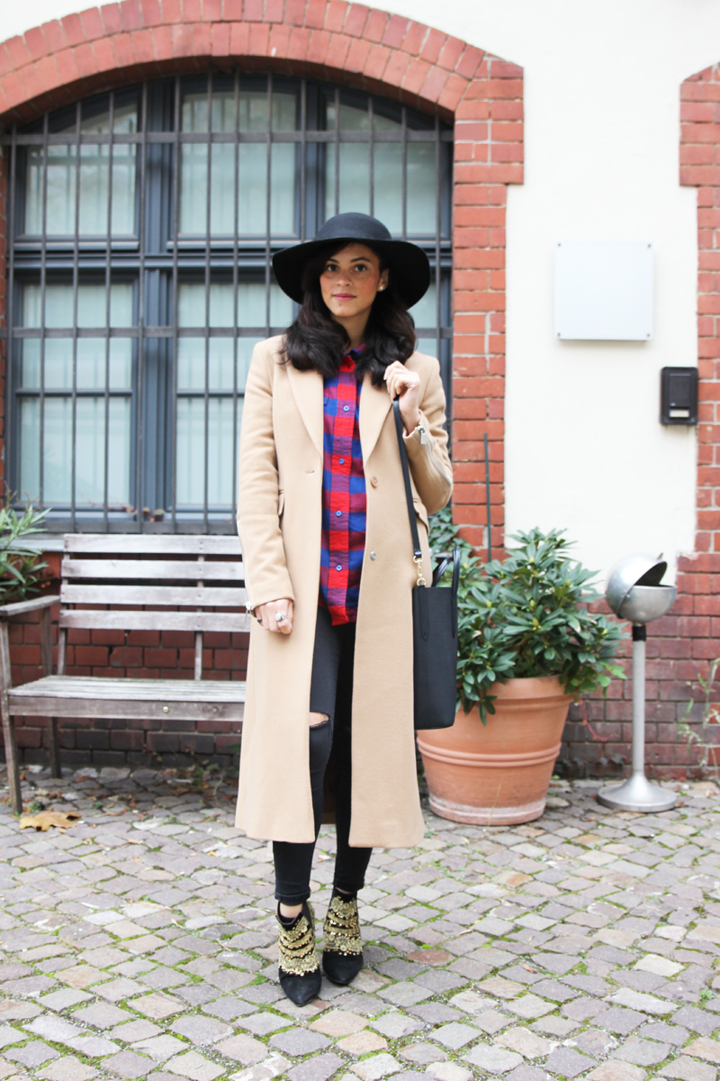 maxi cigar camel beige coat from supertrash octavian amandine fashion blogger berlin germany les berlinettes