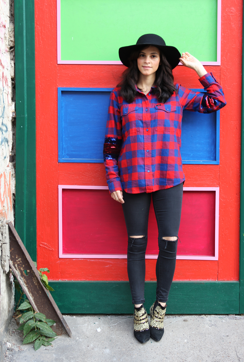 amandine fashion blogger berlin germany wearing lee filles à papa 125 years collection vigo shirt red