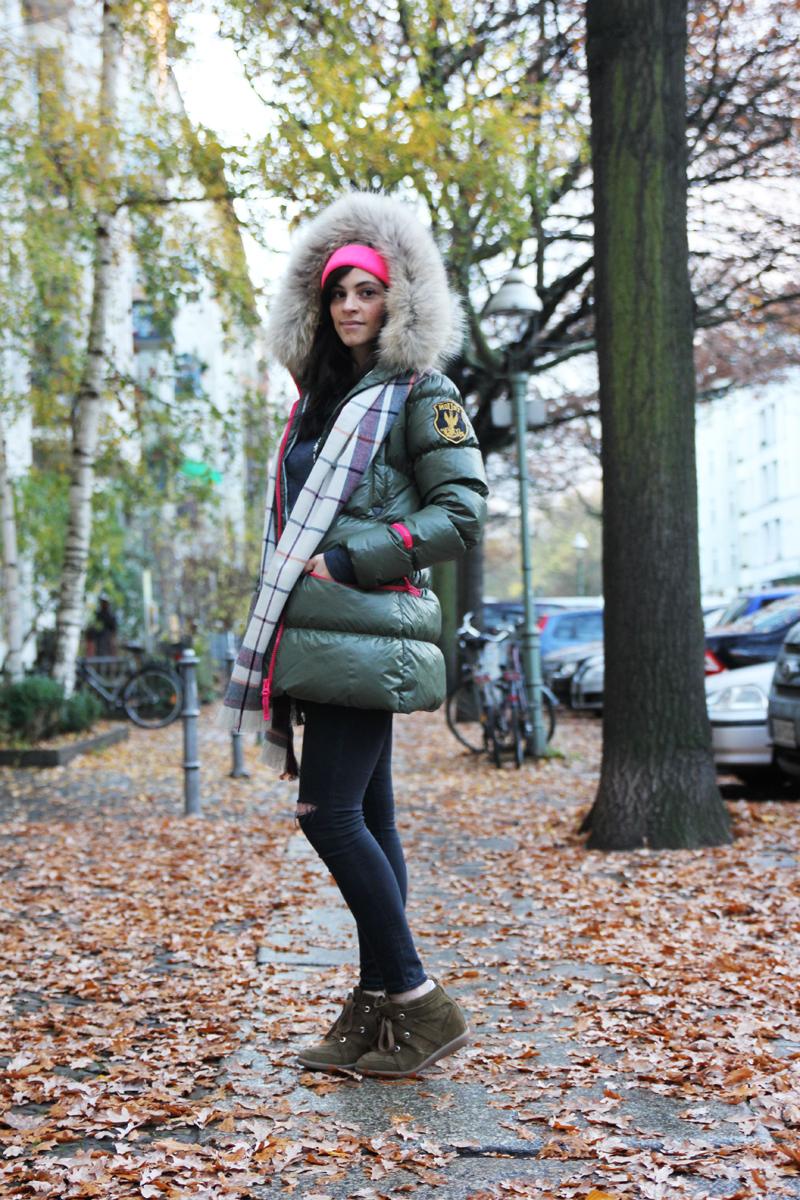 amandine fashion blogger berlin germany wearing outfit eleven elfs earth spirit green khaki down jacket 1