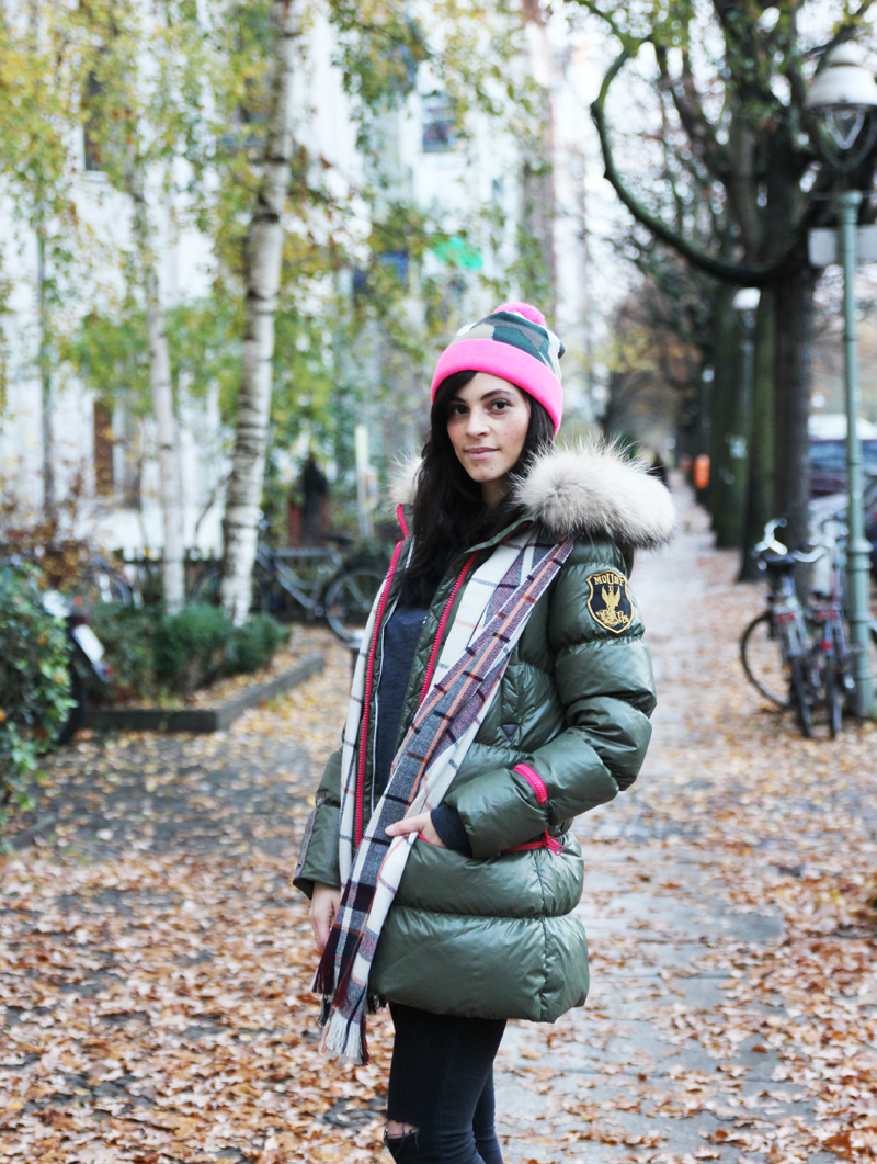 amandine fashion blogger berlin germany wearing outfit eleven elfs earth spirit green khaki down jacket 2