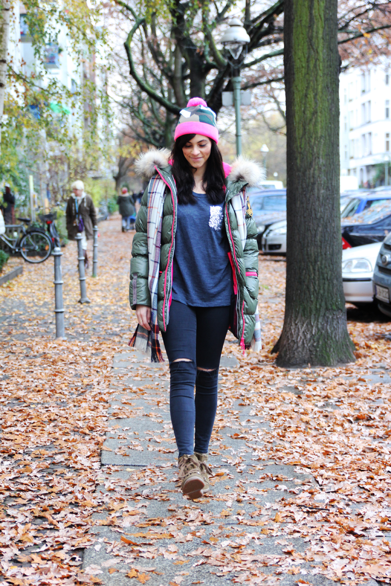 amandine fashion blogger berlin germany wearing outfit eleven elfs earth spirit green khaki down jacket