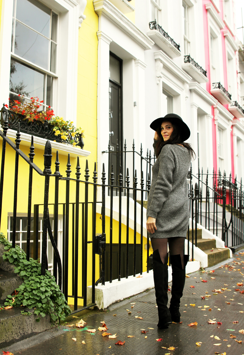 amandine fashion blogger berlin germany wearing outfit suede black boots and grey woll knit dress