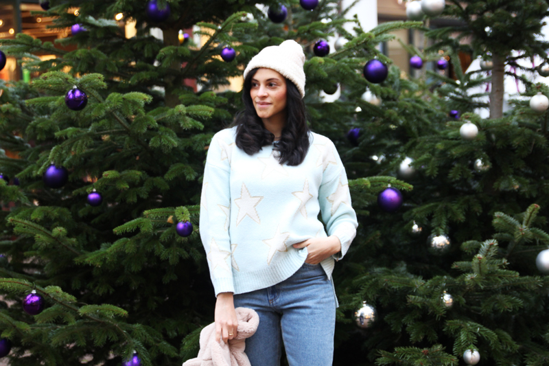 amandine fashion blogger berlin germany wearing chicwish blue star sweater