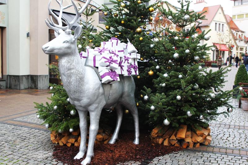 christmas shopping wertheim village