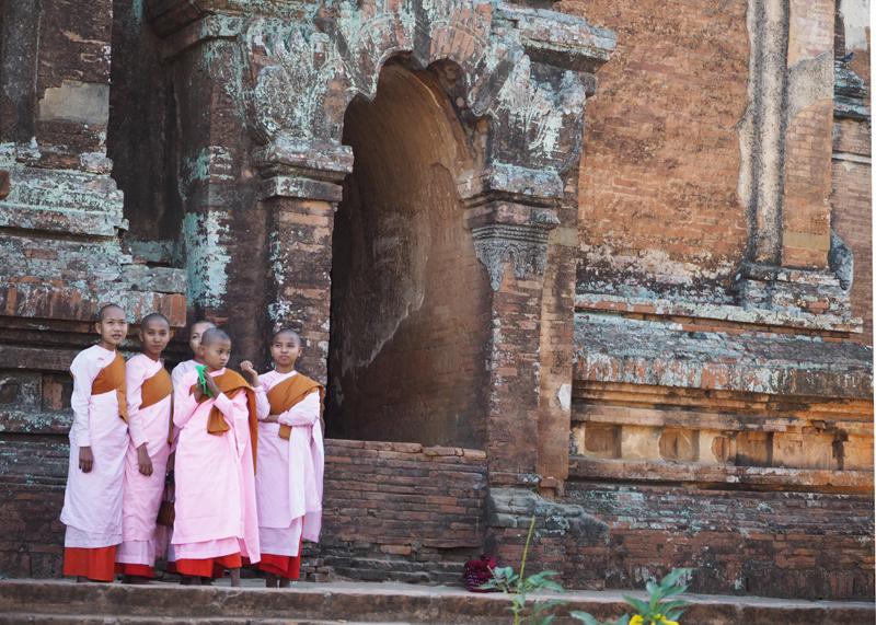 Highlights of Myanmar Monks in Bagan