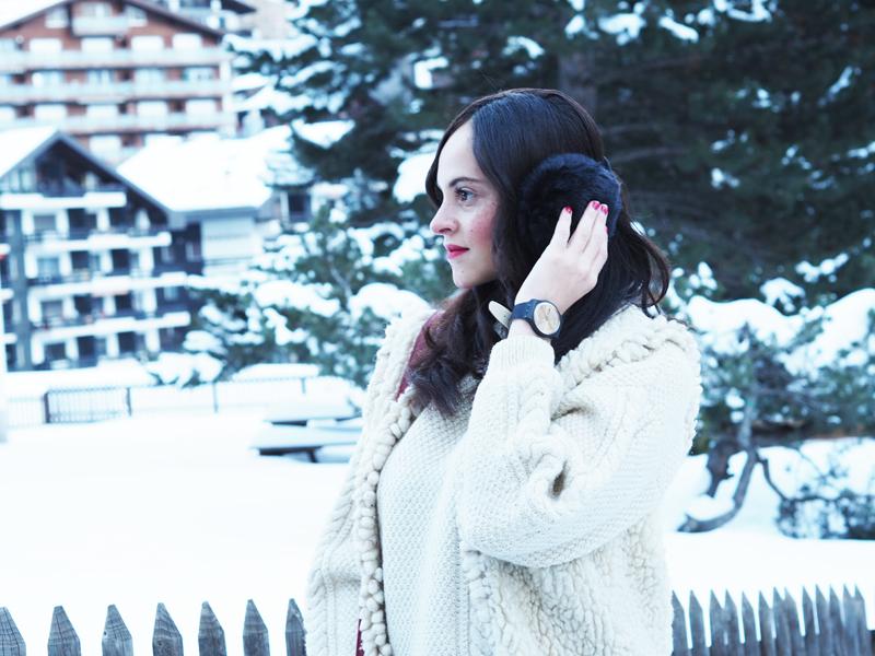 amandine fashion blogger switzerland zermatt winter outfit golden friend swatch watch