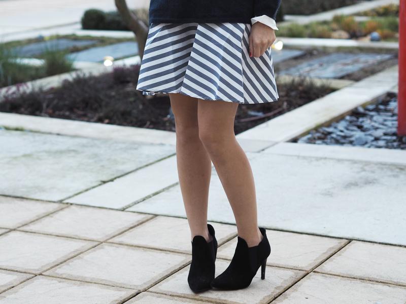 details striped dress yas