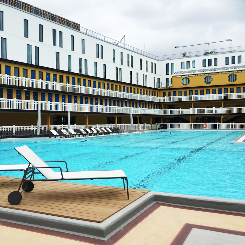 Hotel molitor paris an outdoor swimming pool les for Paris hotel pool
