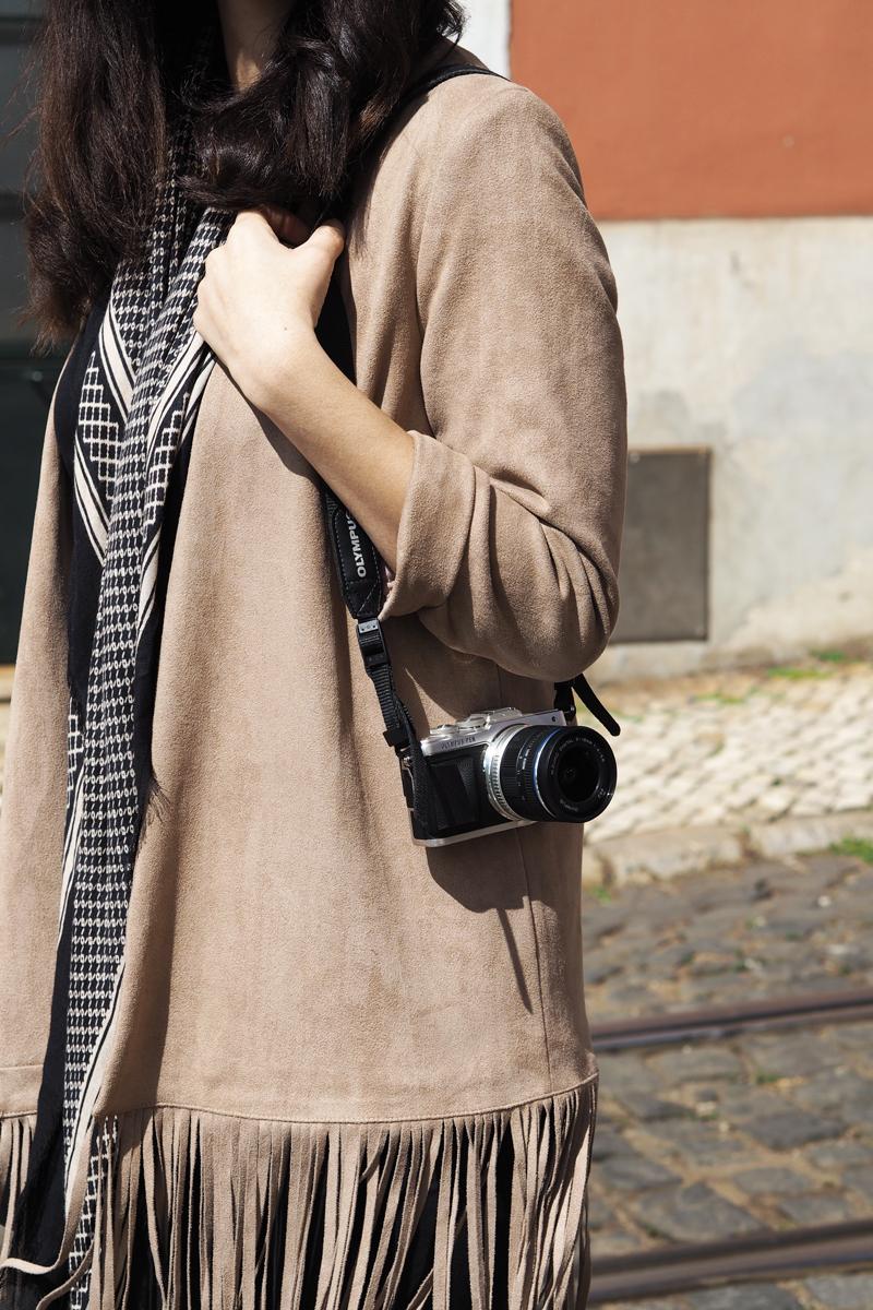 suede-fringe-jacket