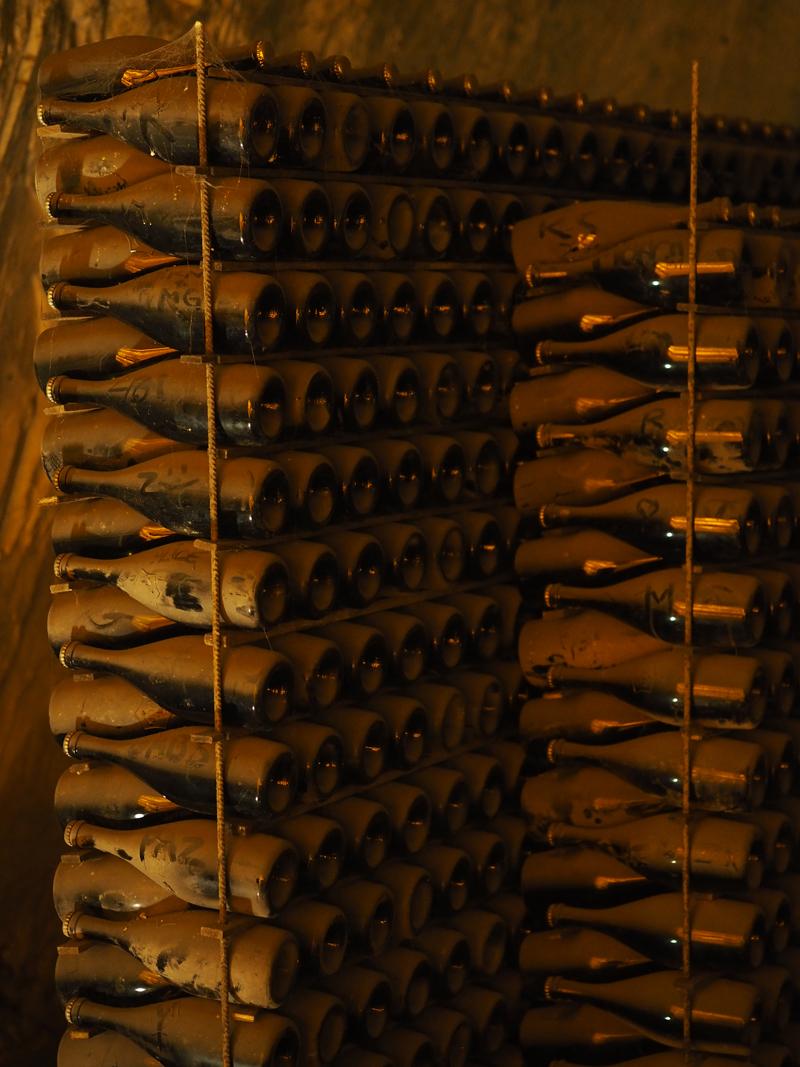 veuve clicquot champagne cellars reims