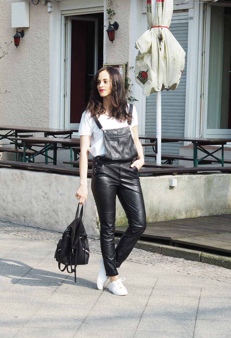 amandine fashion blogger berlin germany wearing outfit black leather dungaree gina tricot
