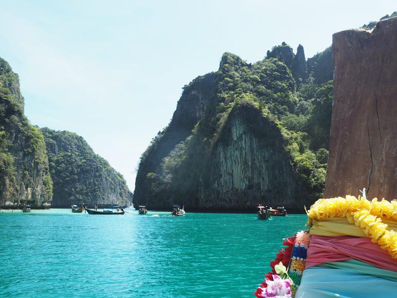 boat tour Maya Bay Koh Phi Phi Thailand