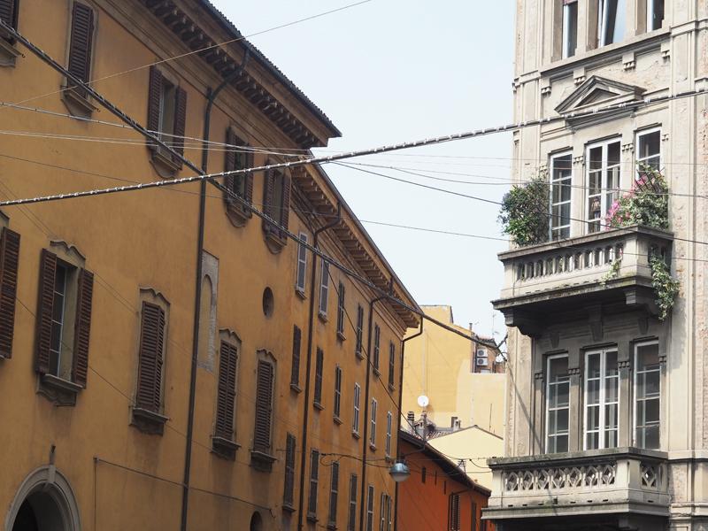 buildings bologna