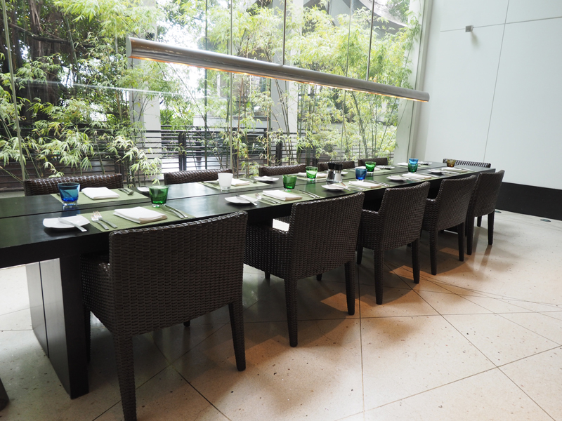 amandine travel blogger Millennium Hilton Hotel Bangkok review The Flow Sunday brunch