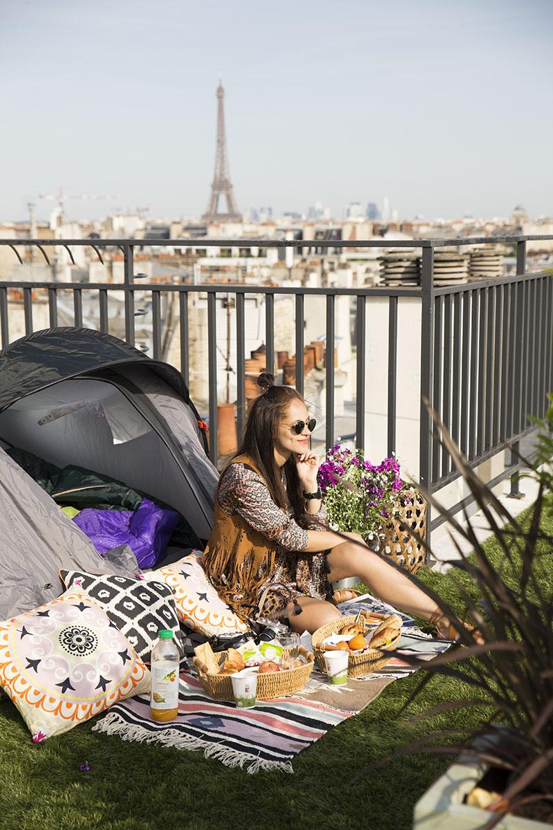 Amandine travel blogger glamping