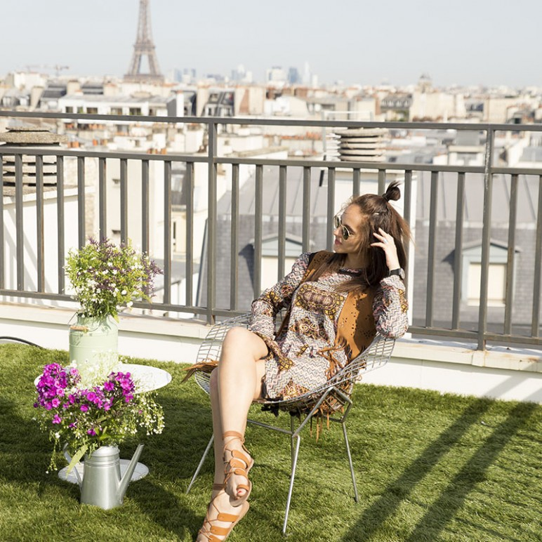 Urban rooftop glamping in Paris
