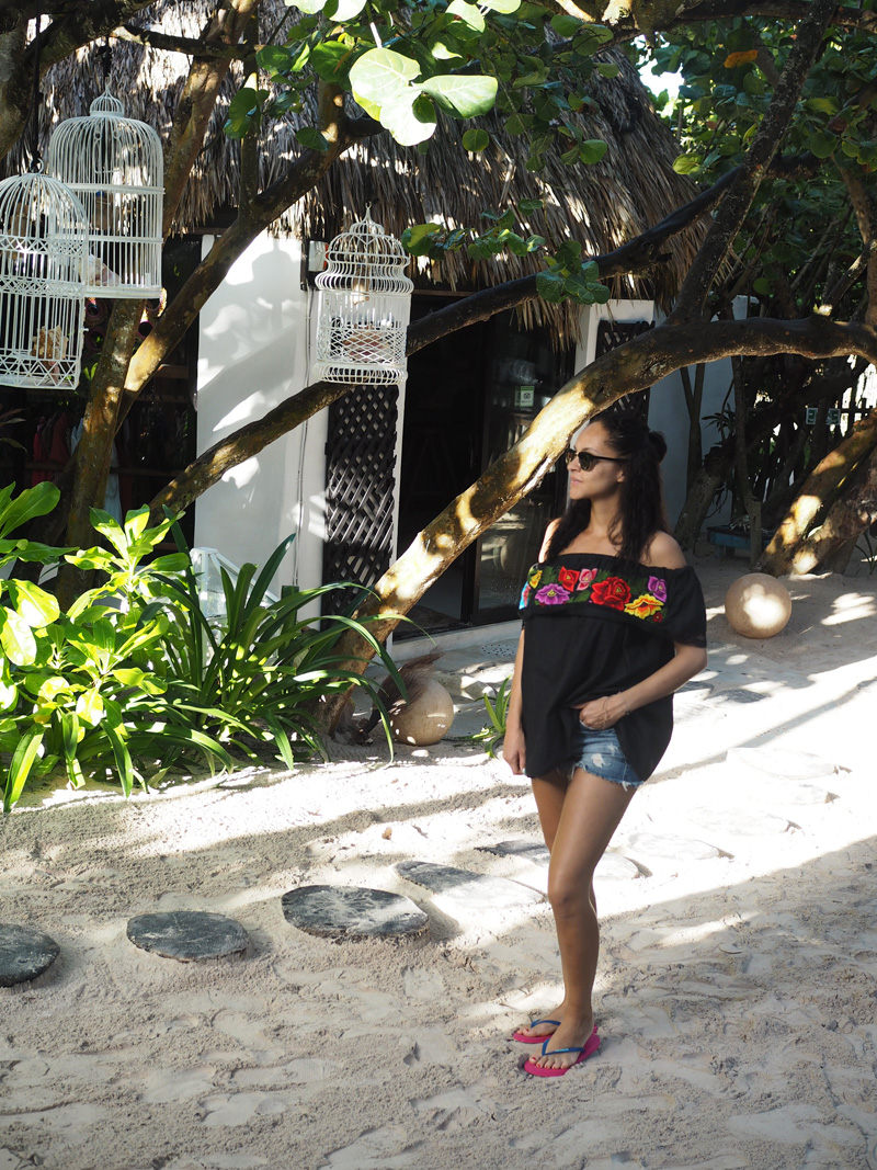 Amandine travel blogger Tulum Mexico