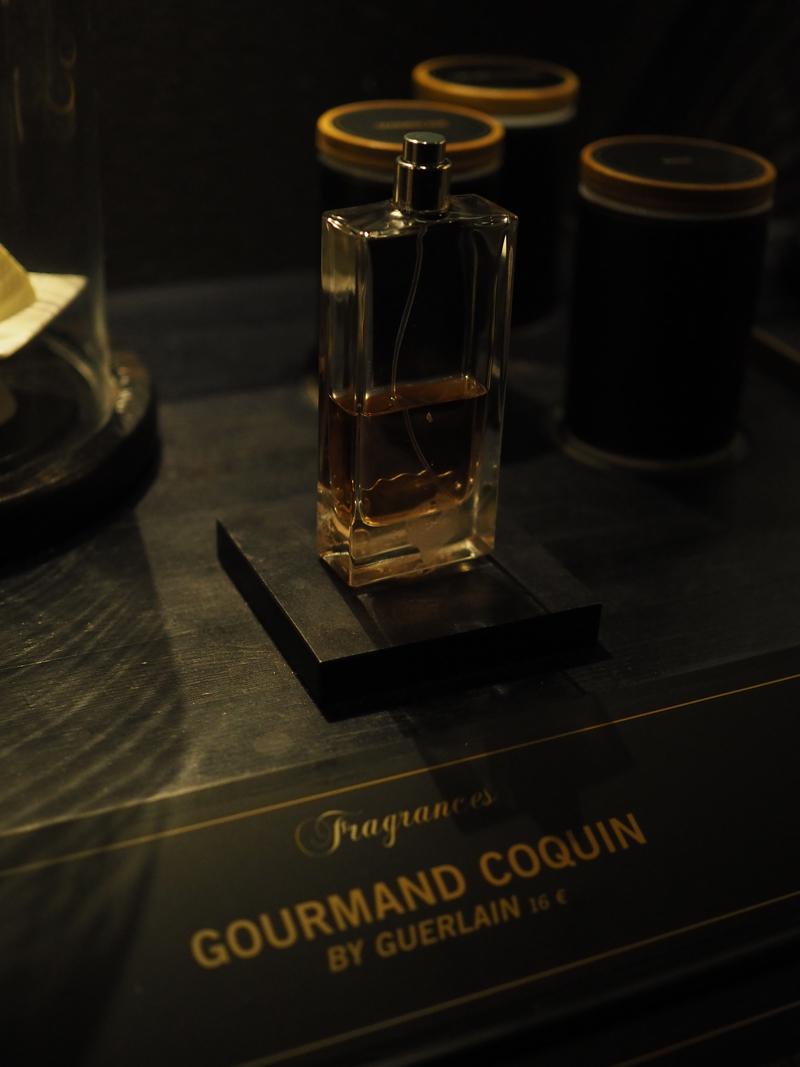 Guerlain perfume at bar Fragances bar Berlin Ritz Carlton