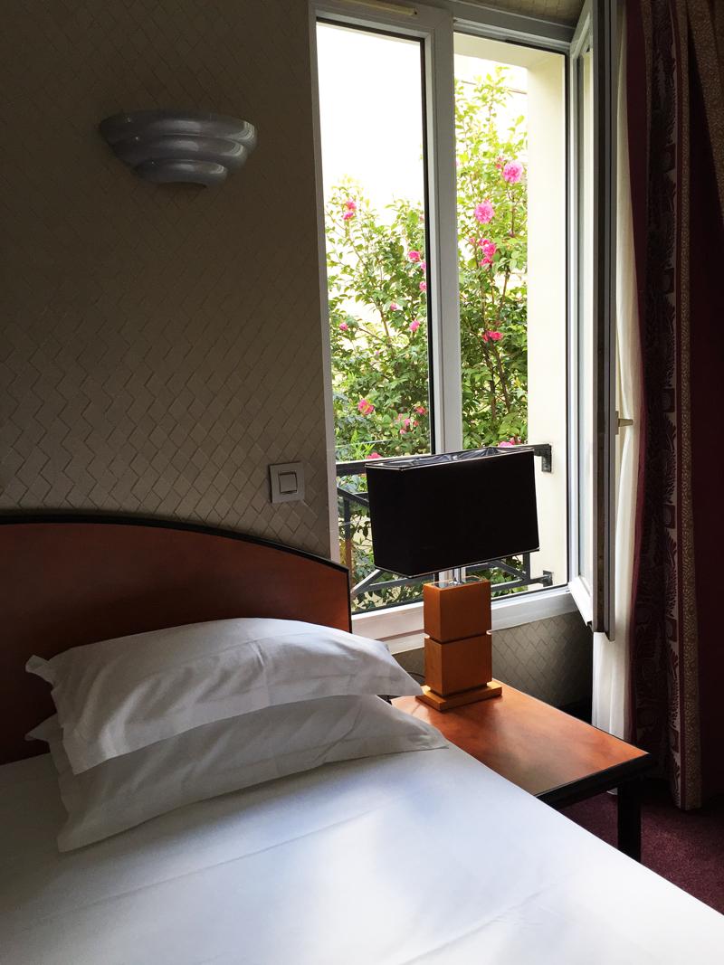 Hotel In The 11th Arrondissement Of Paris Le Patio Saint