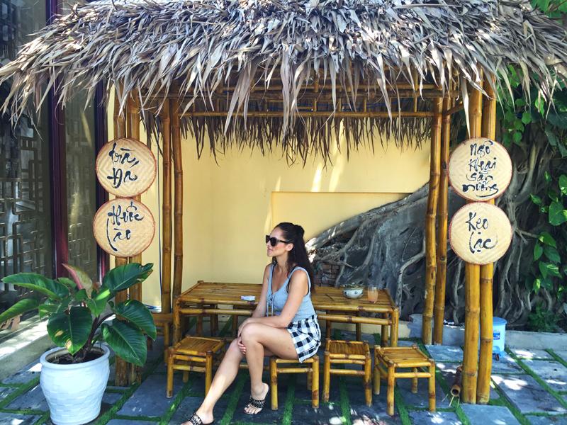 Amandine travel blogger Vietnam bmtm fam trip 2016