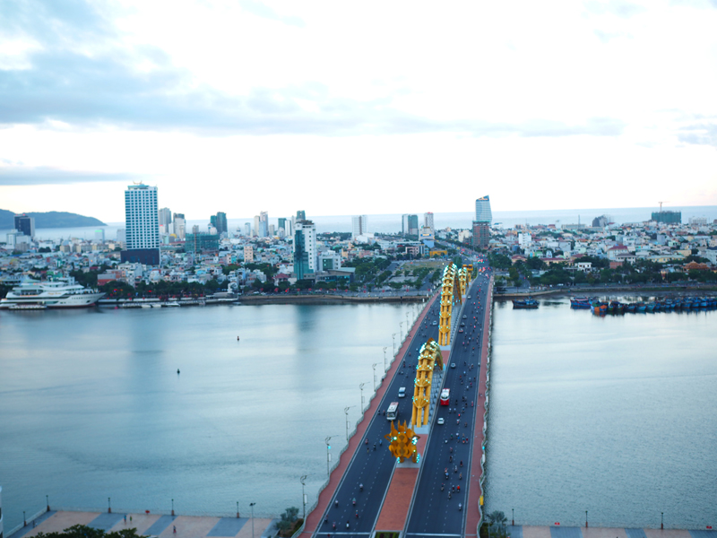 Dragon bridge Da Nang rooftop view Vanda hotel top view bar