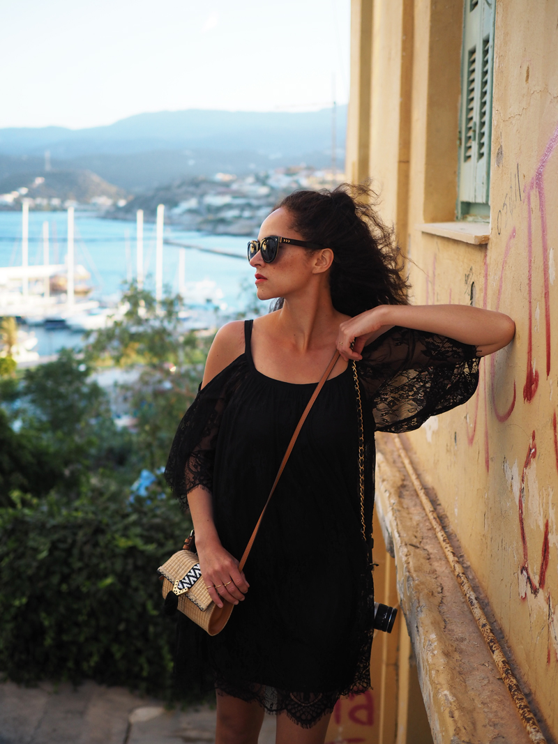 travel blogger from Germany Aghios Nikolaos Crete Greece