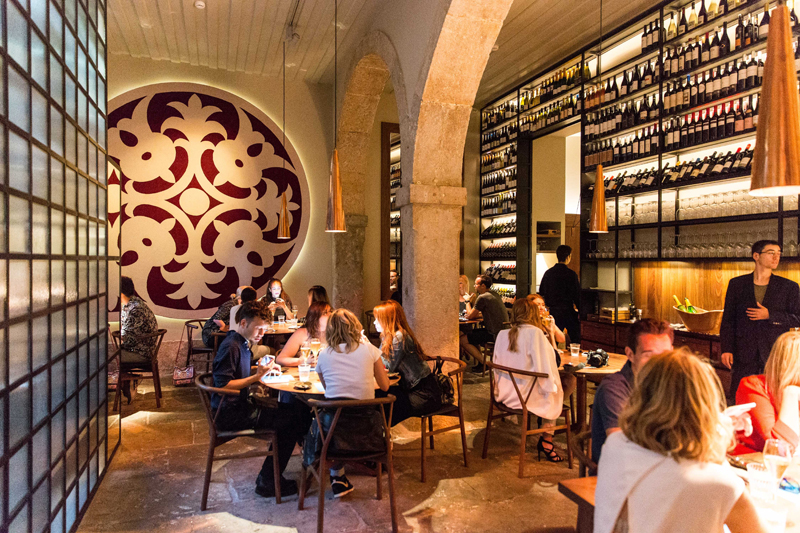Weekend in Lisbon - 10 cool things to do in Lisbon Where to eat in Lisbon Alma restaurant
