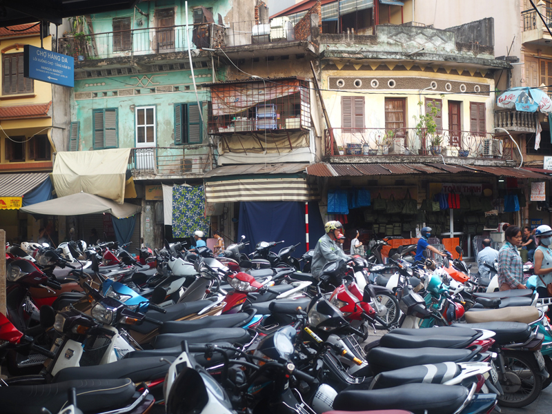 Pictures Hanoi old quarter bicycles