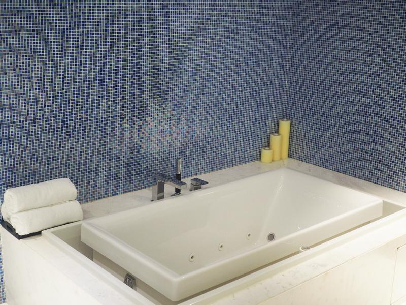 Bath at Le Merdien Saigon