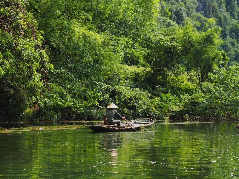 Trang An boat tour Vietnam's amazing karst landscapes Tam Coc Ninh Binh