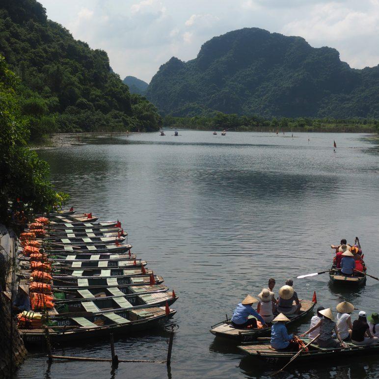 Vietnam's amazing karst landscapes   Trang An and Ha Long Bay