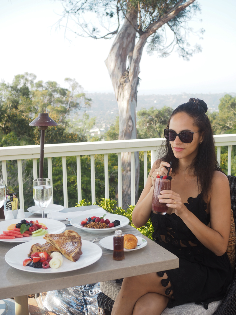 travel blogger terasse restaurant lifestyle blogger Bedroom at Belmond El Encanto in Santa Barbara