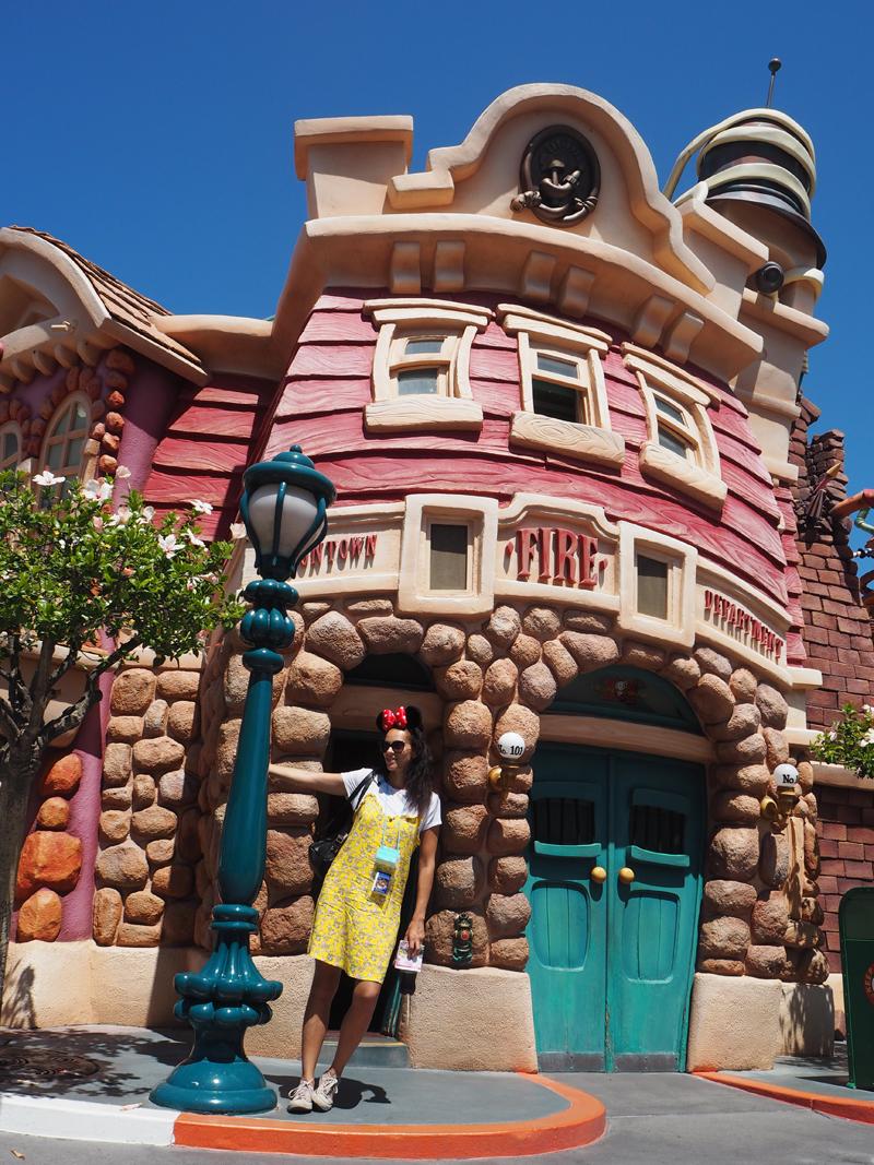Lifestyle blogger Disneyland California