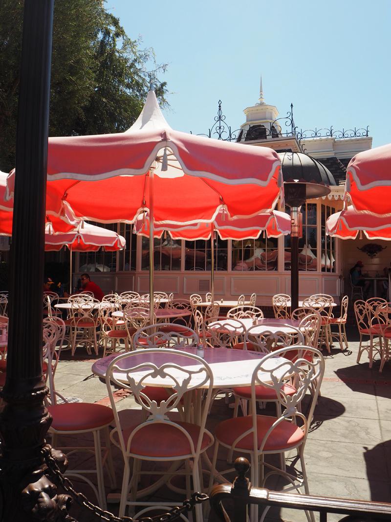 Disneyland and California adventure in one day Restaurant