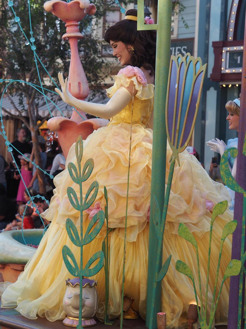 Disneyland California parade beauty and the beast