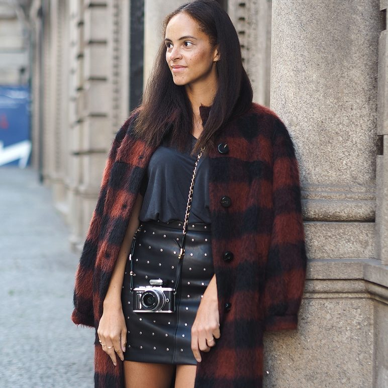 Fall outfit – Baum und Pferdgarten checked coat and leather skirt